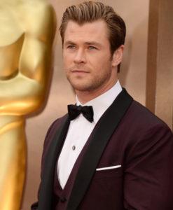 Chris Hemsworth Oscar Tuxedo