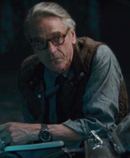 Justice League Alfred Vest2