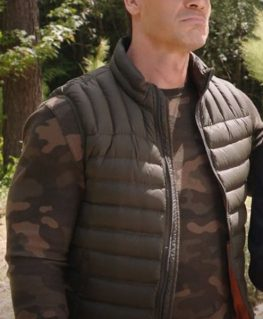 Vacation Friends Ron Puffer Vest